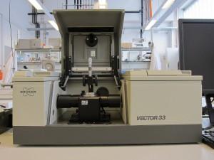 Bruker IR Spectrometer